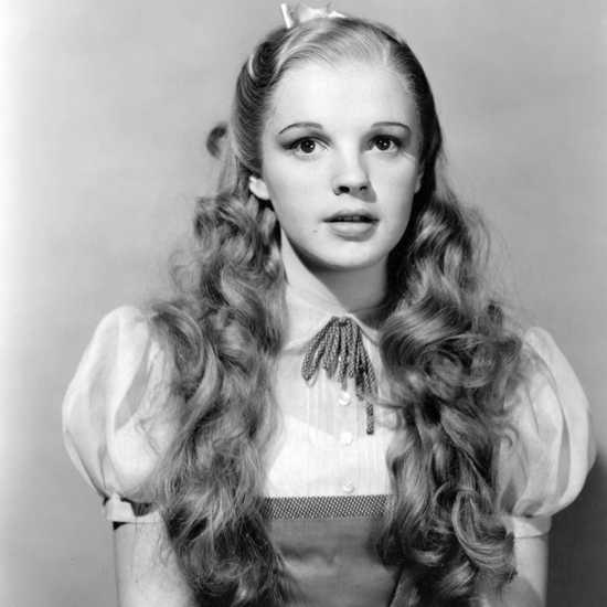 Judy Garland was 16 years old when she played Dorothy and had to wear a corset to appear younger. During the first days of filming, she wore a yellow wig, but soon wiser heads prevailed.