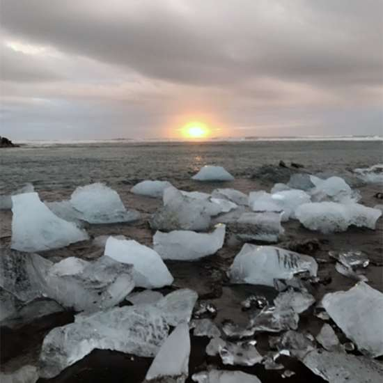 Watching the sun rise over the Jökulsárlón glacier lagoon