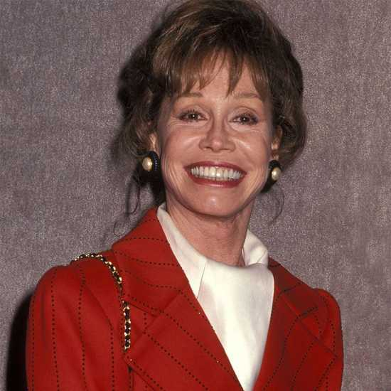 Actress and author Mary Tyler Moore