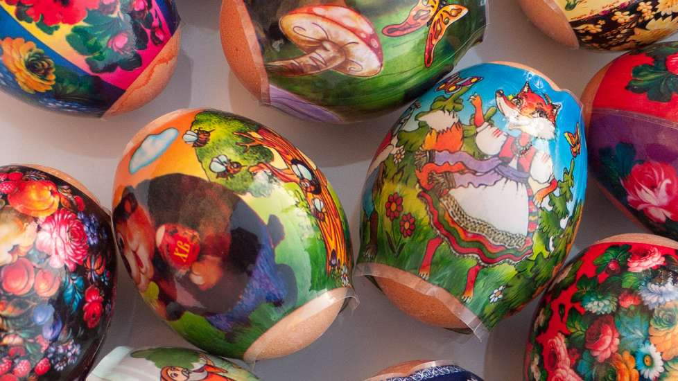 Intricate designed Easter eggs from Russia