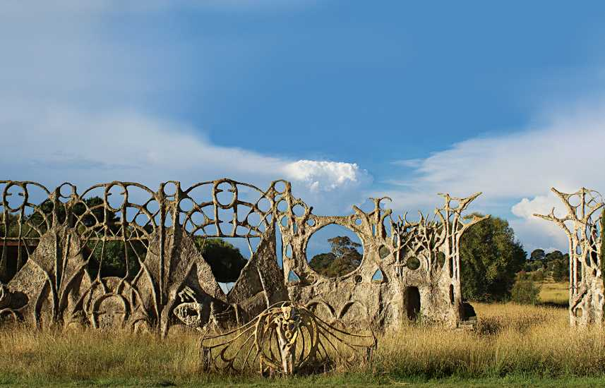 Artist Tony Phantastes' Dreamer's Gate in Collector, Australia