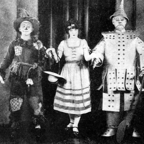 Larry Semon, Dorothy Dwan, and Oliver Hardy in 1925's The Wizard of Oz