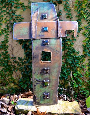 Guideposts: A cross sculpture by Catherine Partain Shamblin