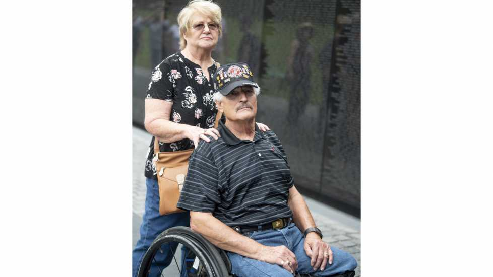 Eddie and Connie visit the Vietnam Veterans Memorial